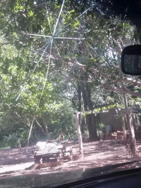 Proprietário da chácara teria chegado a quebrar janela de veículo em acesso de fúria contra vítima - PCMS/Divulgação
