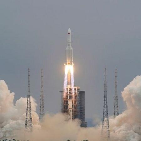 Lançamento do foguete 5B Longa Marcha, ligado a uma nova estação espacial chinesa - CHINA DAILY VIA REUTERS