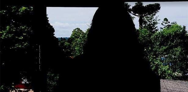 Mulher diz ter sido jogada de ponte pelo amante, se fingido de morta e ido à polícia denunciá-lo no Paraná