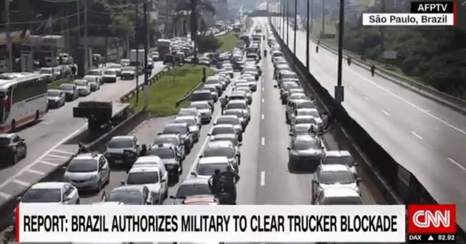 """""""Exército vai liberar as vias do bloqueio"""", destaca CNN"""
