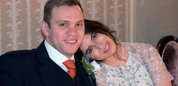 Matthew Hedges, ao lado da esposa Daniela Tejada, foi acusado de ser um espião britânico