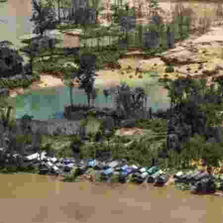 Garimpo na Terra Indígena Yanomami, onde índice de pessoas contaminadas por mercúrio chega a 92% em algumas aldeias - ISA