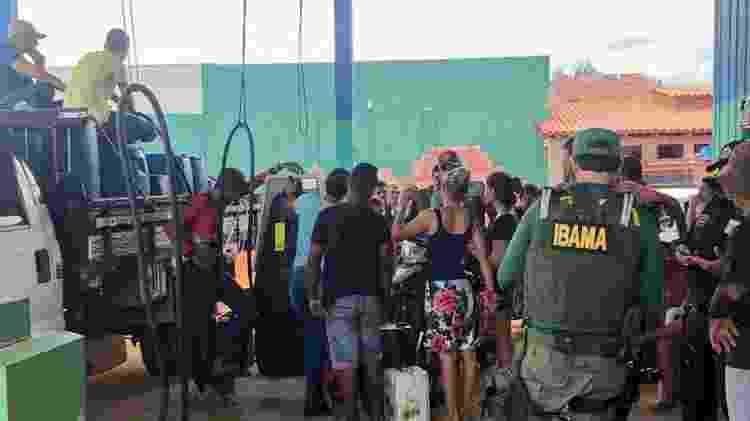 17.jan.2020 -  A primeira operação realizada pelo Grupo de Controle de Desmatamento da Amazônia (GCDA) do Ibama em 2020 resultou na apreensão de 5 mil litros de combustível e na aplicação de dois autos de infração, que totalizam R$ 250 mil. As penalidades foram aplicadas a dois postos de abastecimento clandestinos identificados na zona rural do município Senador José Porfírio, no Pará - Divulgação - 17.jan.2020/Ibama - Divulgação - 17.jan.2020/Ibama