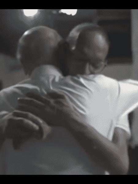Drauzio Varella abraça Suzy - Reprodução TV Globo
