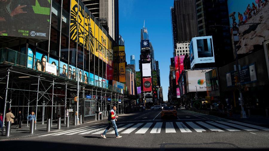 Imagem da Times Square, em Nova York, esvaziada após a pandemia de coronavírus nos EUA - Eduardo Munoz/Reuters