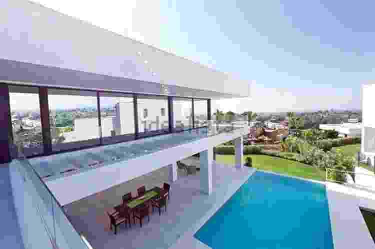 Casa onde vivia o Major Carvalho em Málaga, na Espanha. Imóvel é avaliado em dois milhões de euros - Reprodução - Reprodução