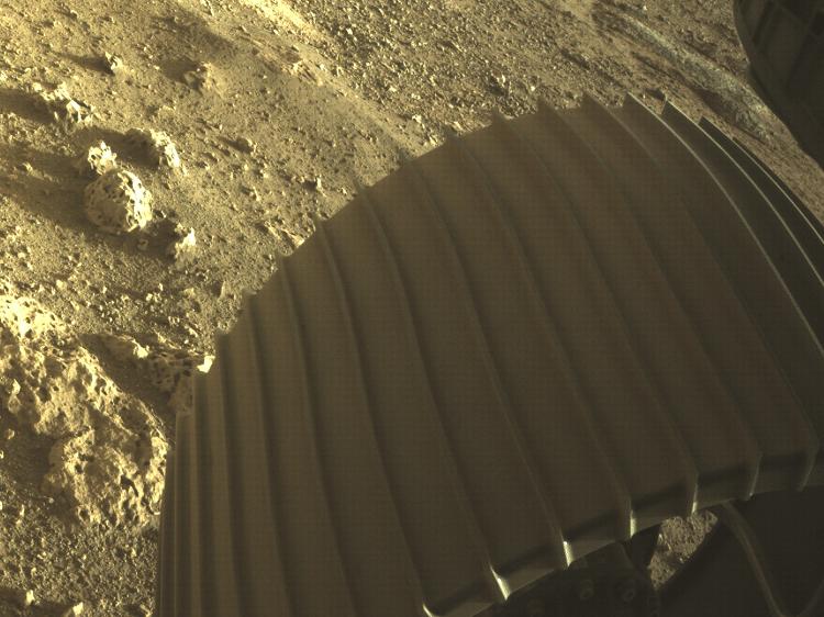 Esta grabación muestra una de las ruedas de la perseverancia en Marte - Nasa - Nasa