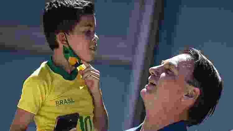 Bolsonaro ignorou abertamente os cuidados para frear a disseminação do coronavírus, como uso de máscara - Getty Images - Getty Images