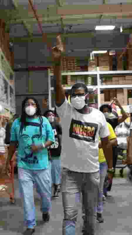 Manifestante do Movimento Negro fazem protesto em supermercado - Lorena Ifé - Lorena Ifé