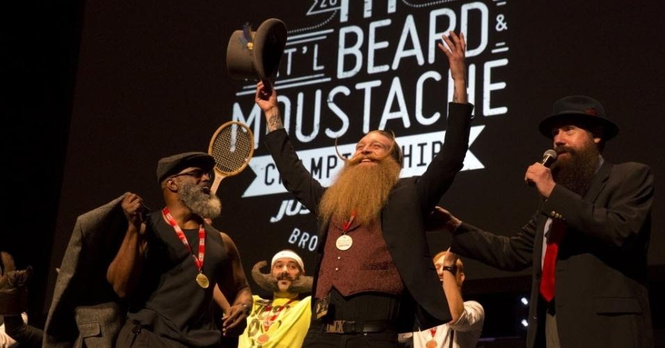 8.nov.2015 - o competidor Scott Metts, de Orlando, no Estado da Flórida, foi o vencedor do Campeonato Nacional de Barbas e Bigodes Só para Homens 2015, realizado no último sábado em Nova York, nos Estados Unidos. Centenas de participantes concorreram com