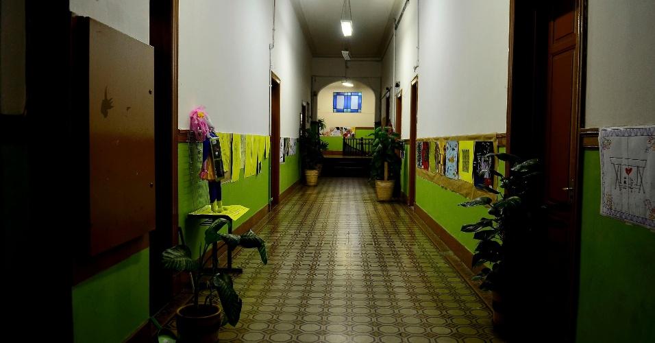 Alunos mantêm limpeza e organização durante ocupação da Escola Estadual Caetano de Campos. Os alunos protestam contra a reorganização proposta pelo Estado