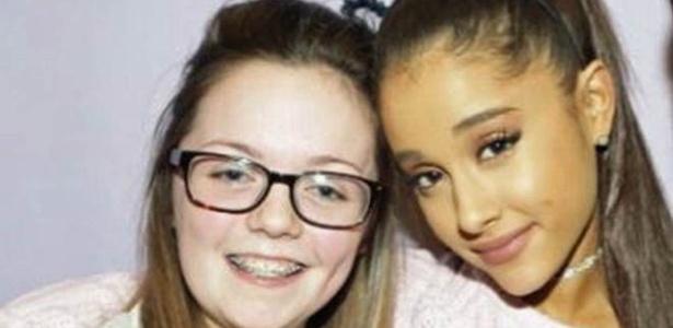 Georgina Callander (à esquerda) com Ariana Grande em 2015