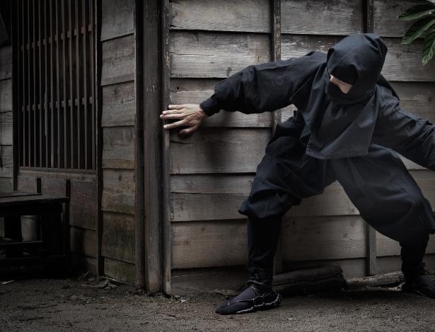 O suspeito se vestia como ninja para invadir casas e assaltá-las