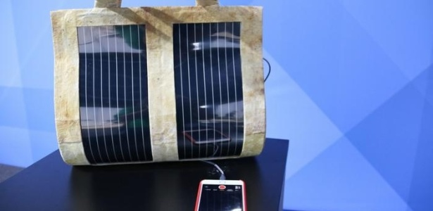 A startup Flying to the Sun, do Rio, desenvolveu bolsas que geram energia solar