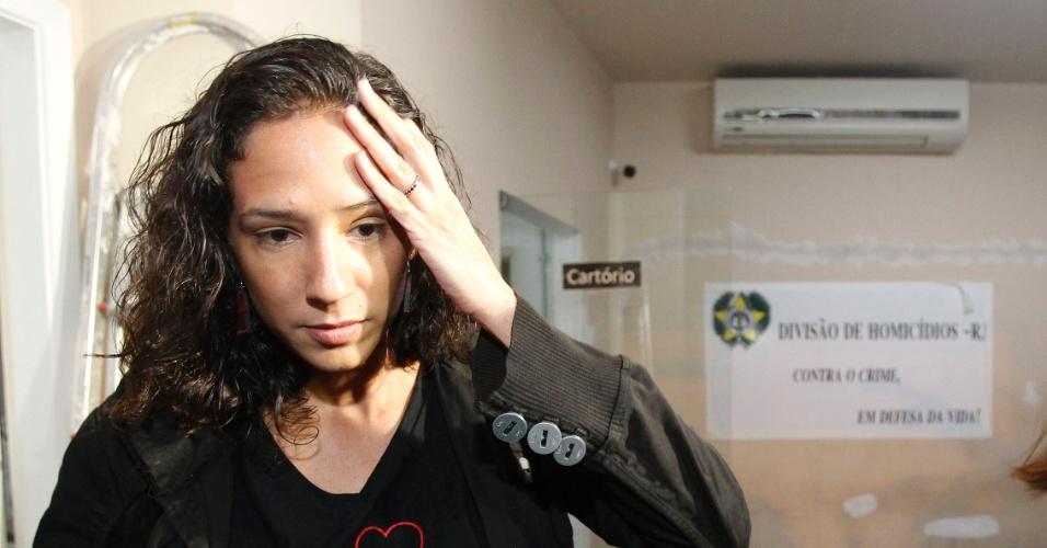 Viúva de Marielle Franco, Mônica Teresa Benício, presta depoimento e relata ameaças