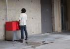 Os polêmicos urinóis ecológicos ao ar livre instalados em pontos turísticos de Paris - BBC