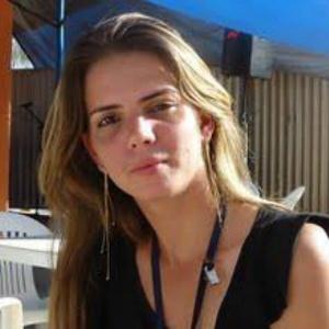 Carla Zandoná morreu após cair do terceiro andar do prédio onde morava - Reprodução/Facebook