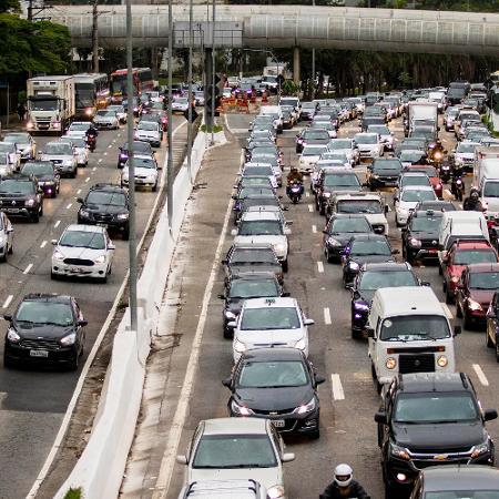 21.nov.2018 - Em 2017, cerca de 35 mil brasileiros morreram nas ruas e estradas - Marcelo Gonçalves/Sigmapress/Estadão Conteúdo