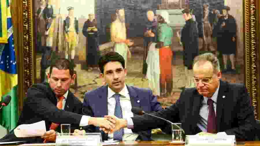 O presidente da comissão especial da reforma da Previdência, deputado Marcelo Ramos (esq), o vice-presidente Silvio Costa Filho, e o relator Samuel Moreira, durante sessão de instalação - Marcelo Camargo/Agência Brasil