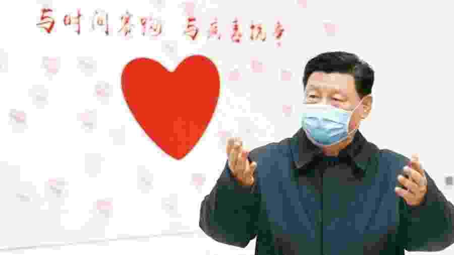 Presidente chinês Xi Jinping usa máscara cirúrgica para se prevenir da covid-19 - Divulgação