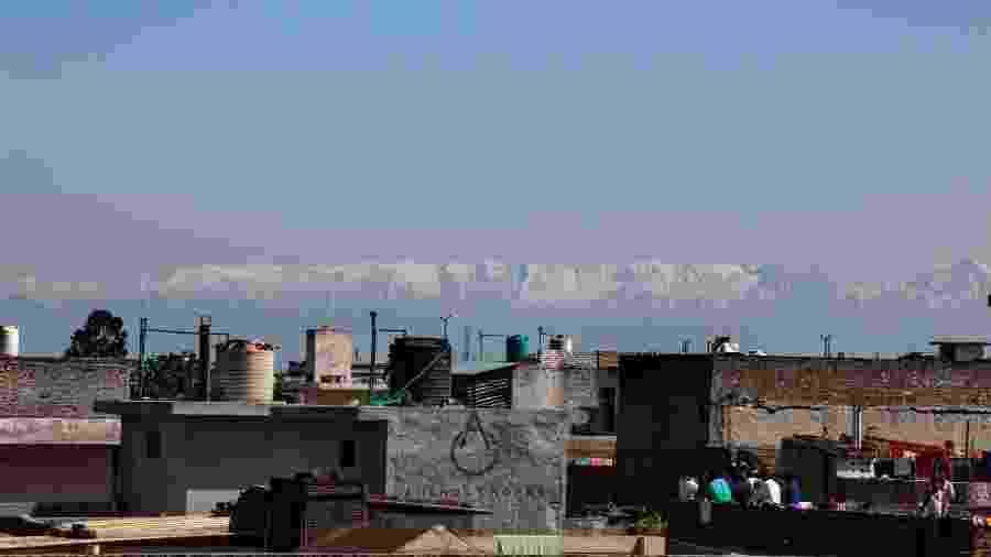 Vista da cidade de Jalandhar da montanha Dhauladhar - Reprodução/Twitter @anshulchopraa