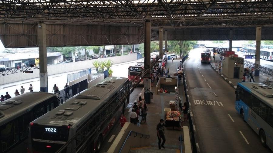 """Fim da gratuidade pega em cheio pessoas que """"são grupo de risco neste momento de pandemia"""", argumenta a Defensoria - Cleber Souza/UOL"""