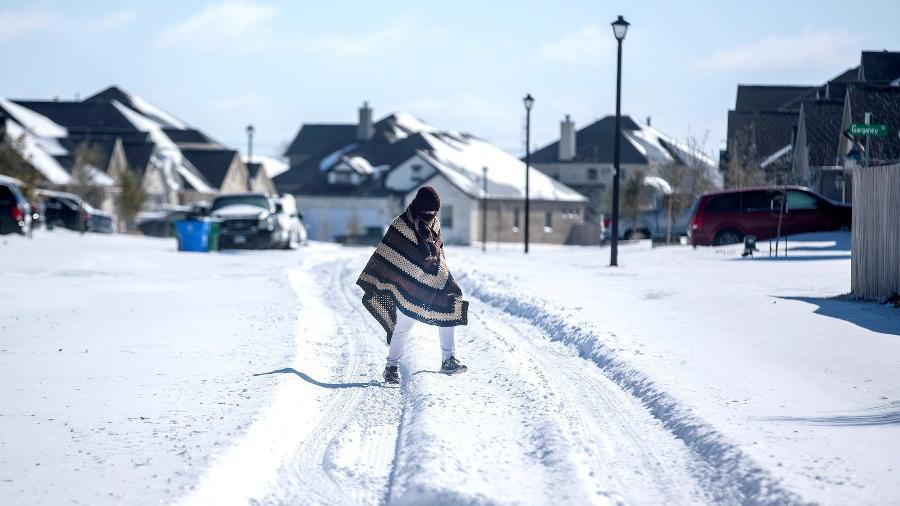 Frio intenso congelou geradores de energia no Texas - Bronte Wittpenn/Austin American-Statesman/USA Today Network via Reuters