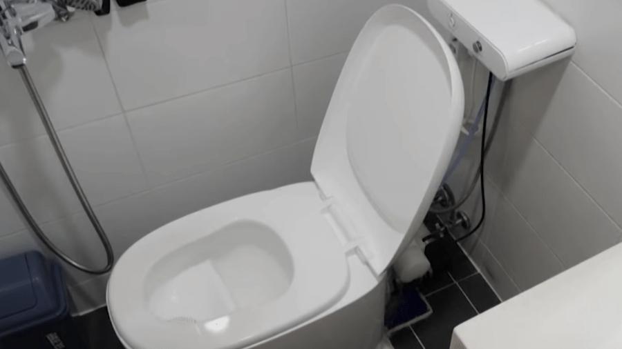 Vaso sanitário inventado por cientista sul-coreano que usa cocô para gerar energia e dinheiro - Reprodução/YouTube
