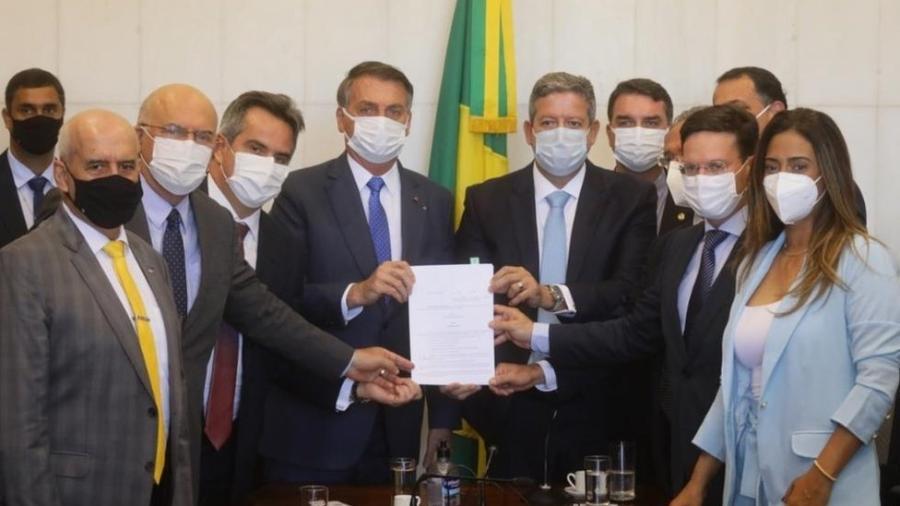 Entrega da proposta do Auxílio Brasil ao Congresso; definição do valor depende de solução para precatórios - Cleia Viana/Câmara dos Deputados