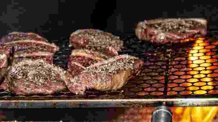 'Se não tomarmos medidas para enfrentar as mudanças climáticas, o preço da carne e do leite vai subir', diz Carlos Martinez, da USP Ribeirão Preto - GETTY IMAGES - GETTY IMAGES