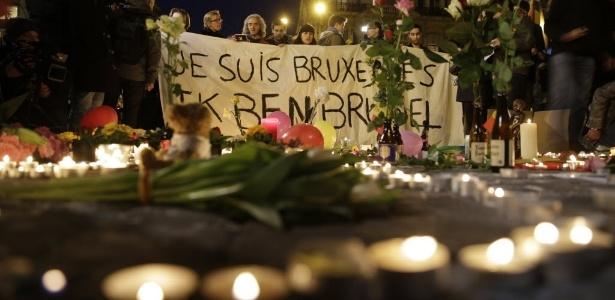 """Atentados serão respondidos com """"firmeza, calma e dignidade"""", diz rei belga - Kenzo Tribouillard/ AFP"""