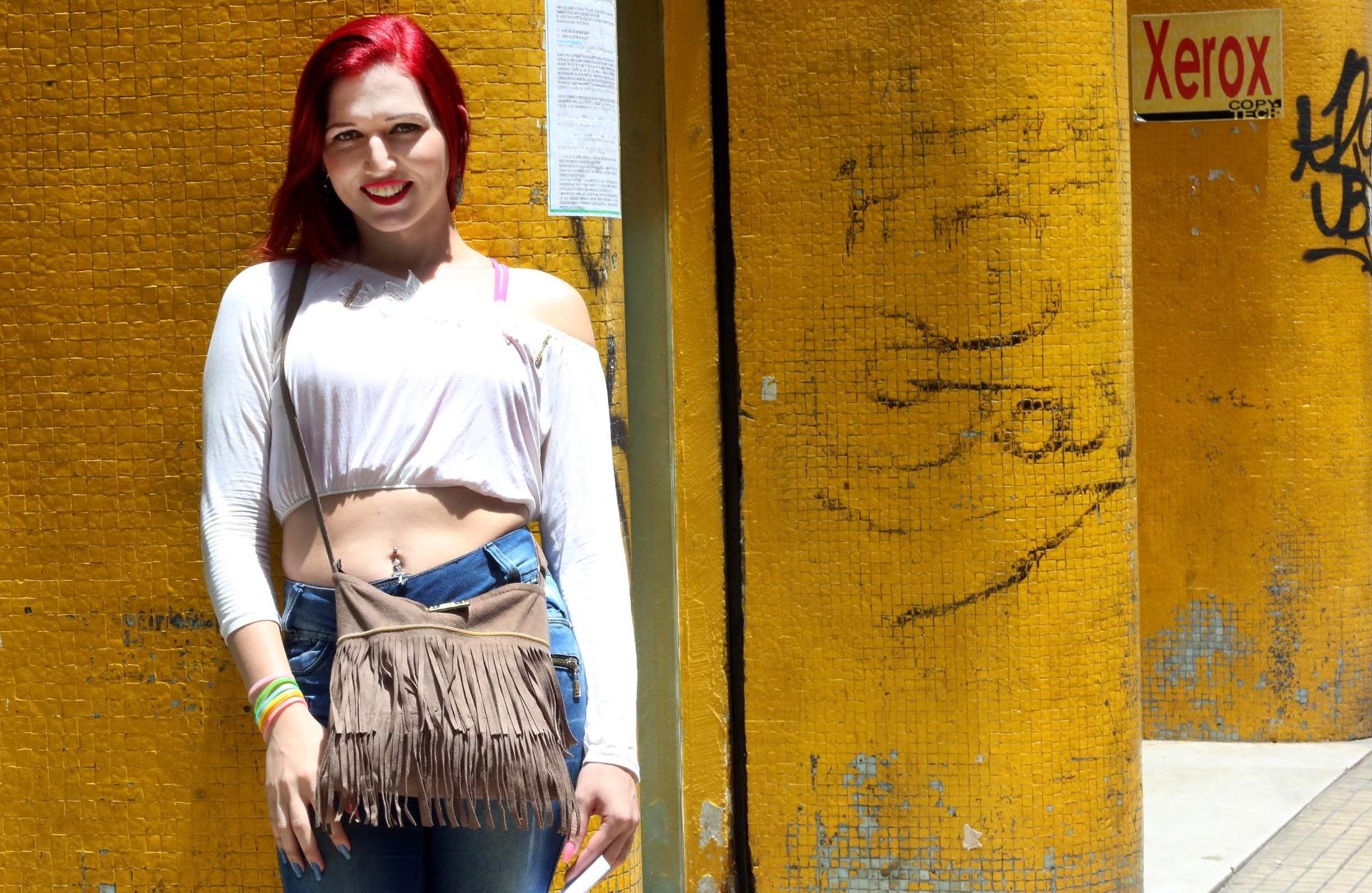 9.dez.2016 - A trans Ashley Any Gonçalves, 25, participou de ação judicial conjunta para retificar o nome no registro civil, na Defensoria Pública do Estado de São Paulo, na capital paulista. Ela já entregou os documentos