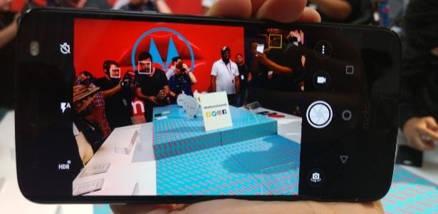 Novo Moto Z2 Force da Motorola é apresentado em NY - Márcio Padrão/UOL