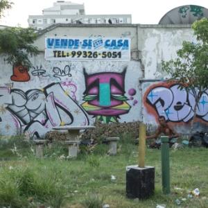 Violência na região da Praça Seca, na zona oeste carioca, fez aumentar o número de imóveis disponíveis para compra e/ou aluguel