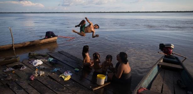 Comunidade Batalha de Baixo, Baixo Tocantins, AM: vida de pobreza e isolamento