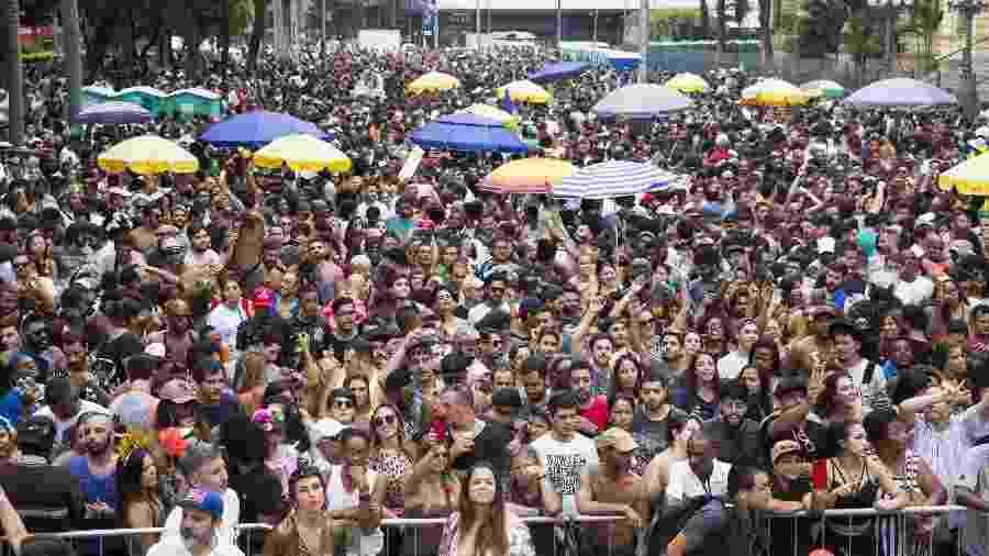 17.fev.2019 - Pré-carnaval do bloco Acadêmicos do Baixo Augusta com os blocos Forrozin e o Cordão Carnavalesco Confraria do Pasmado, em São Paulo - Danilo Verpa/Folhapress
