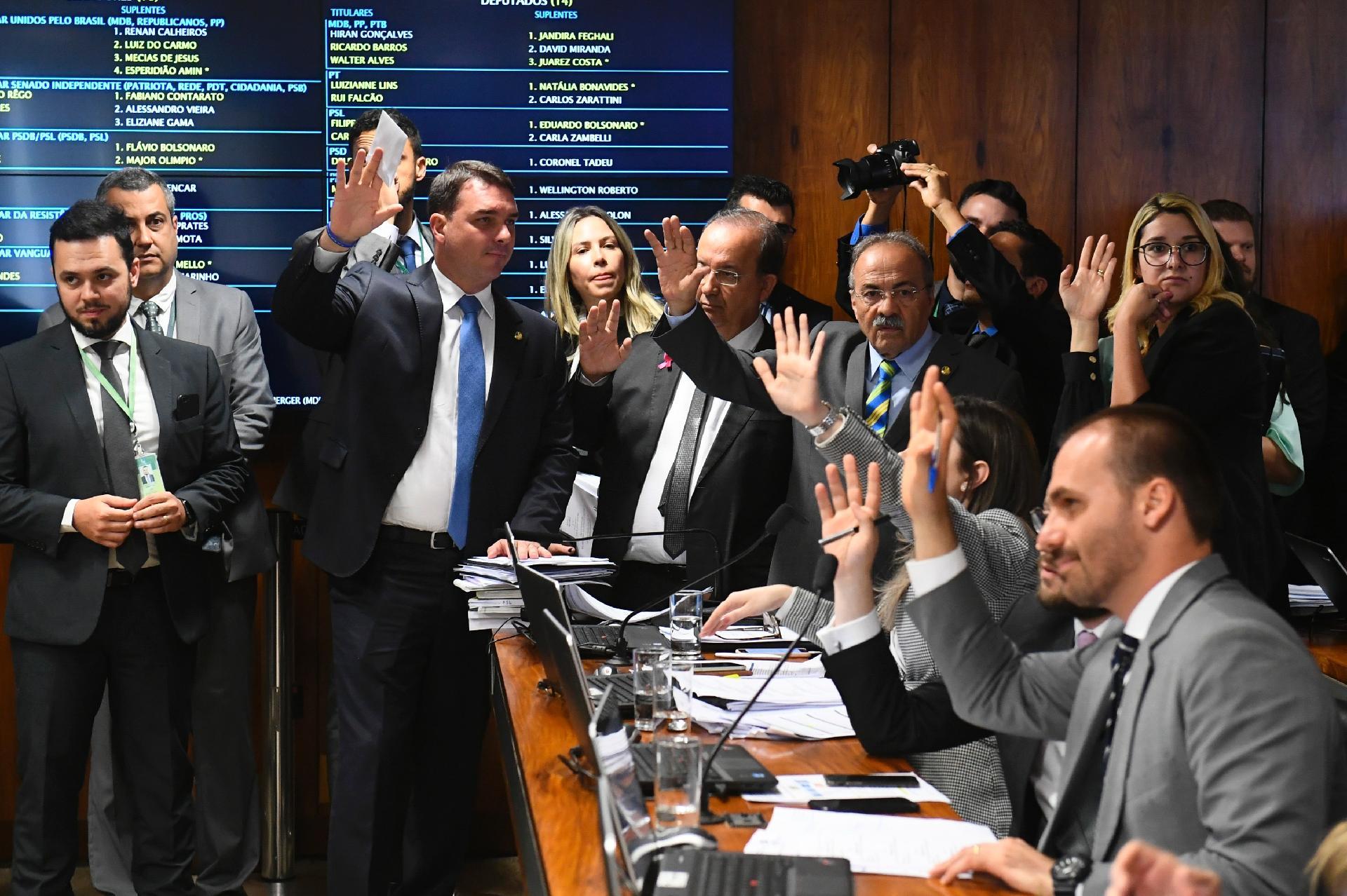 Justiça derruba efeitos da suspensão do PSL a deputados bolsonaristas