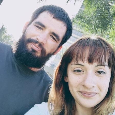 Steven Velásquez e seu parceiro Alexis Granados oferecem o serviço de filas para os compradores que não querem enfrentá-las na Black Friday - Alexis Granados