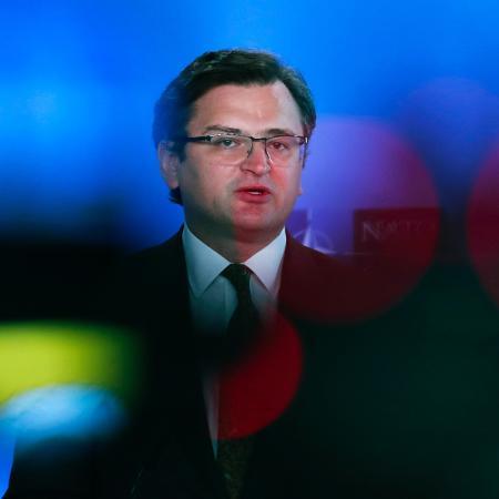 """13.abr.2021 - """"Ameaçam abertamente a Ucrânia com uma guerra e com a destruição do Estado ucraniano"""", disse Kuleba - Francisco Secco/Pool/AFP"""