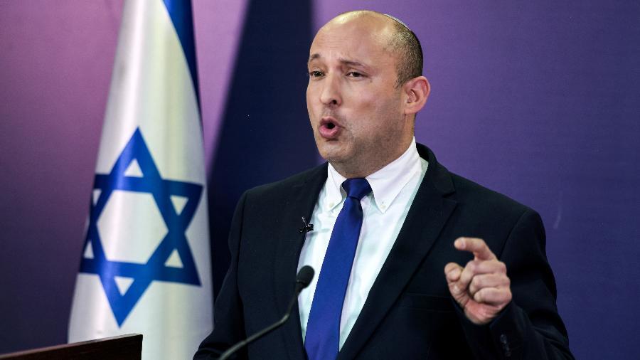Novo primeiro-ministro de Israel, Naftali Bennett, discursa no Parlamento em Jerusalém - Menahem Kahana/Pool via Reuters