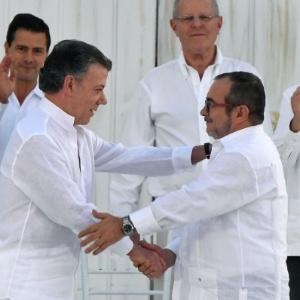 """População colombiana disse """"não"""" ao acordo de paz celebrado pelo governo com as Farc"""
