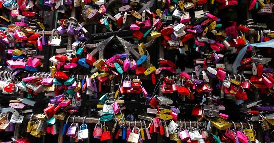 Cadeados do amor, em Verona, Itália. Inspirados na peça