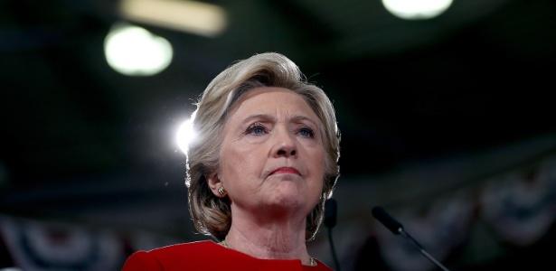 A candidata democrata Hillary Clinton discursa durante campanha em Kent, Ohio