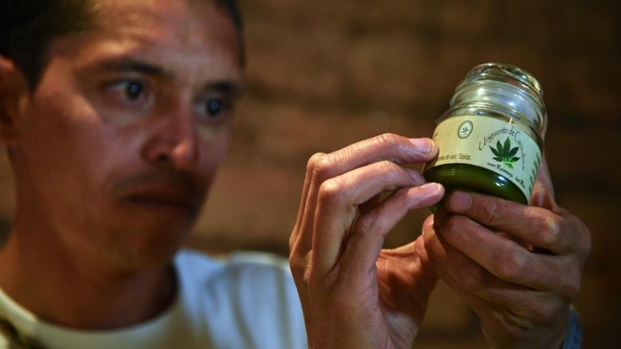 Justiça determinou que o medicamento à base da cannabis seja disponibilizado no SUS - Guillermo Legaria/AFP Photo