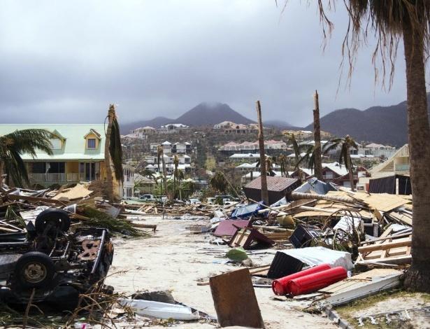 11.set.2017 - A passagem do furacão Irma deixou um rastro de destruição em São Martinho