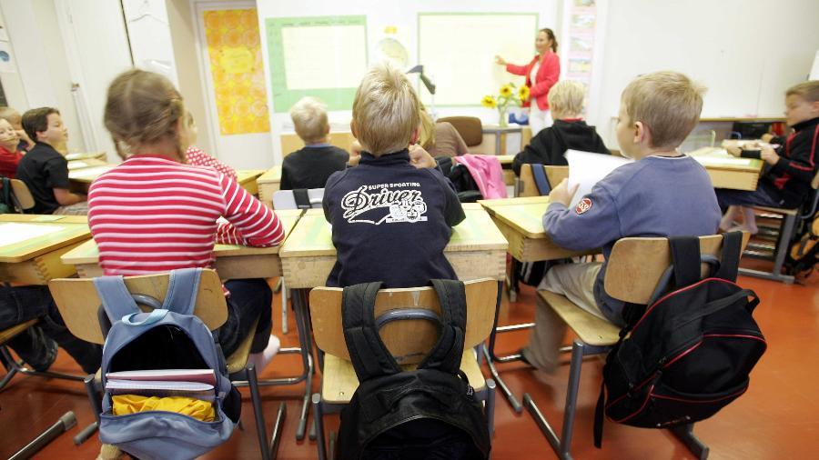 Crianças do segundo ano (8 anos) em sala de aula na Finlândia - 17.ago.2005 - Olivier Morin/AFP