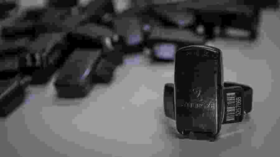 Tornozeleiras eletrônicas usadas no sistema prisional do Estado de São Paulo - Bruno Santos/Folhapress