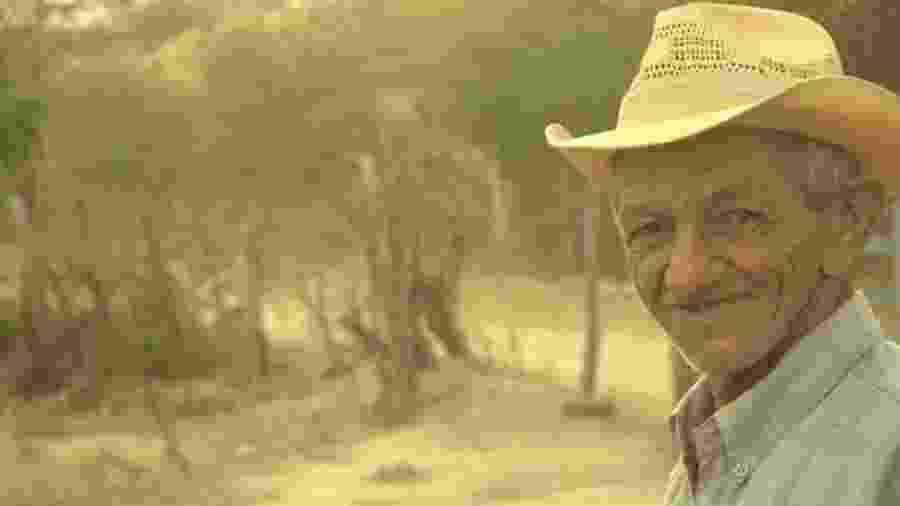 O poeta Leonardo Bastião faz poesia inspirado no que vê no seu sítio, no sertão de Pernambuco - Jefferson Sousa/Arquivo Pessoal