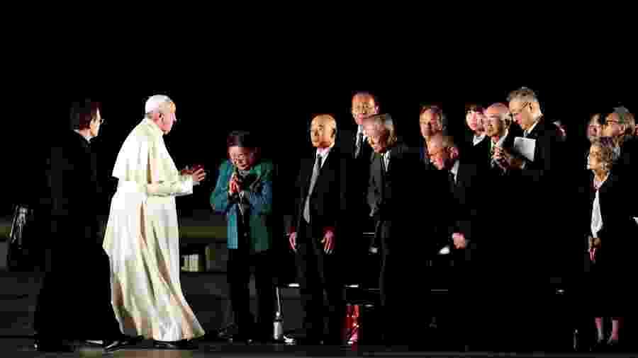 Papa Francisco cumprimenta sobreviventes do ataque nuclear a Hiroshima - Kim Kyung-Hoon/Reuters - 24.nov.2019