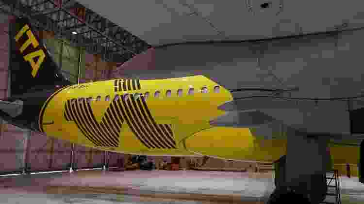 Cauda do avião da Itapemirim será preta com a marca ITA em amarelo - Douglas Cavalcanti/Divulgação - Douglas Cavalcanti/Divulgação